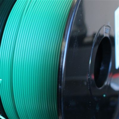 Reprapper Tech PLA 1.75mm Blue Green to Yellow Green Thermochanging filament